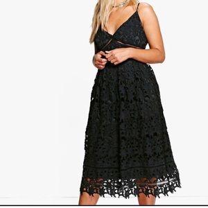 NWOT Boohoo Plus Lace Dress